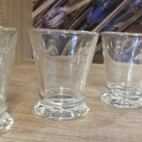Joana Wasserglas Biene klar